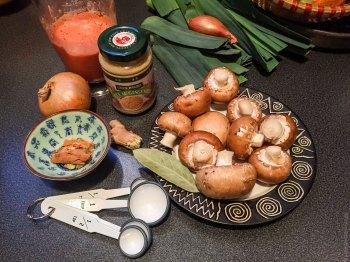 Les poireaux et l'échalote étaient là pour une autre recette... :-)